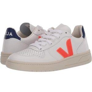 VEJA V-10 sneaker (38/US 7)